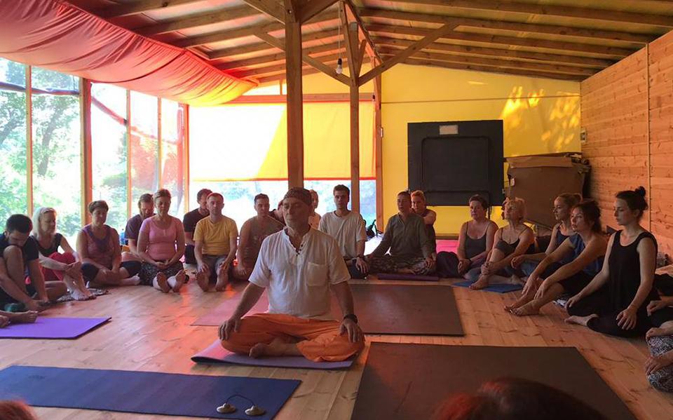 йогин, вчитель з медитації