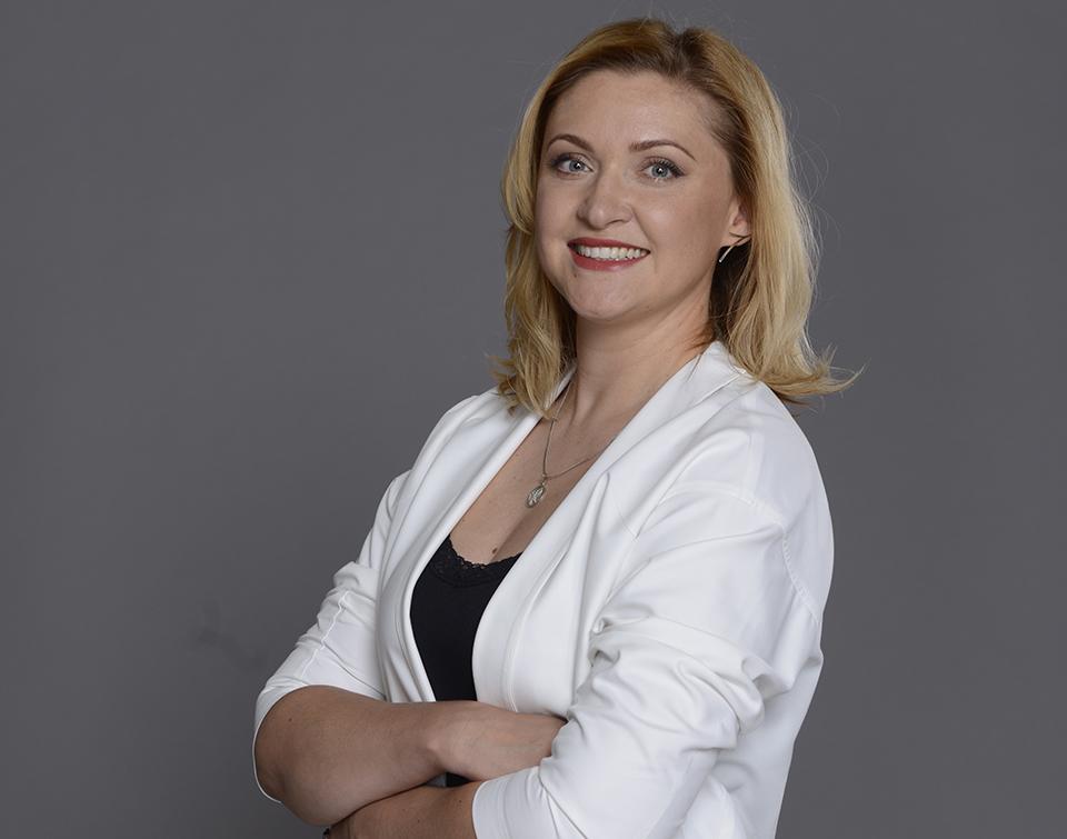 Анна Запталова