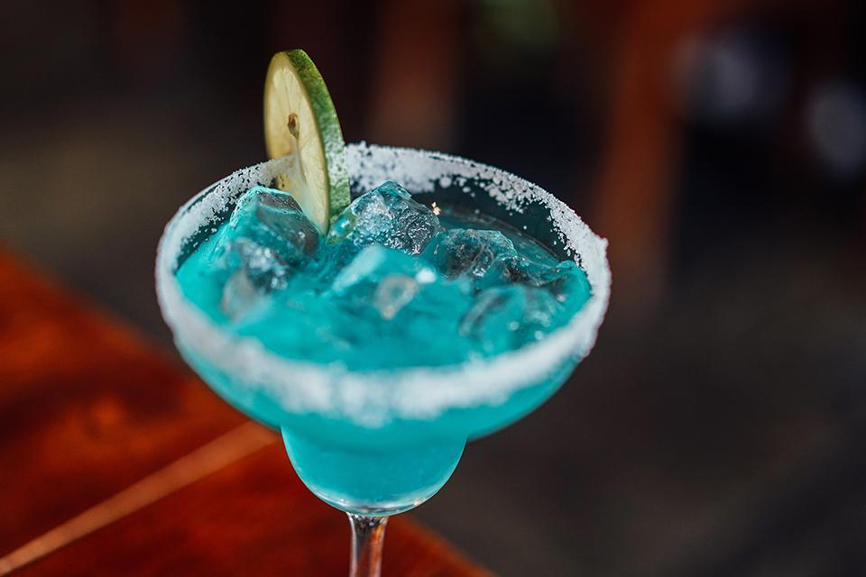 Де пити улюблений коктейль у Києві