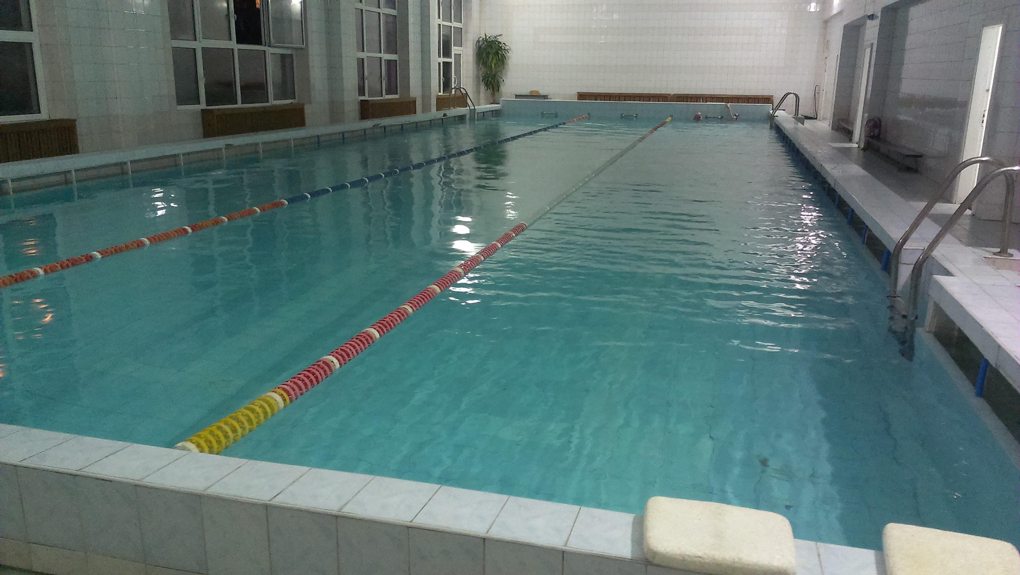 плвання у басейні