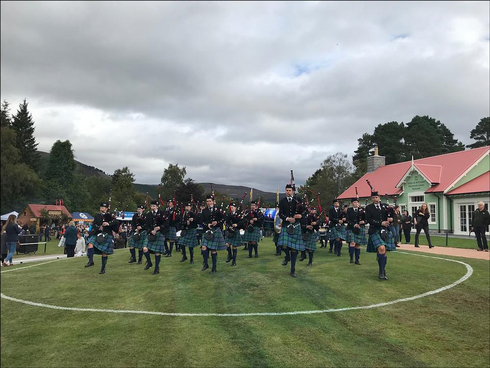 шотландці у кілтах