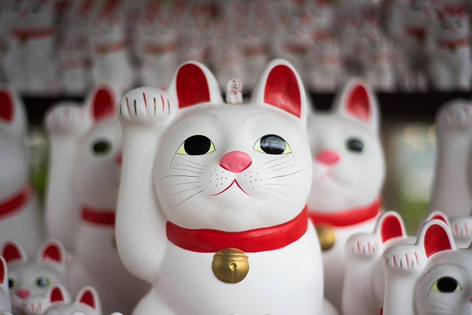 японський котик на щастя