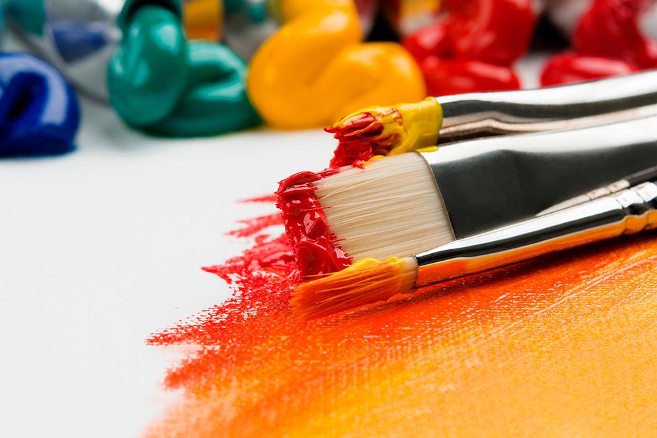 пензлики фарба