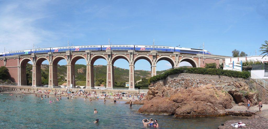 високошвидкісні потяги у франції