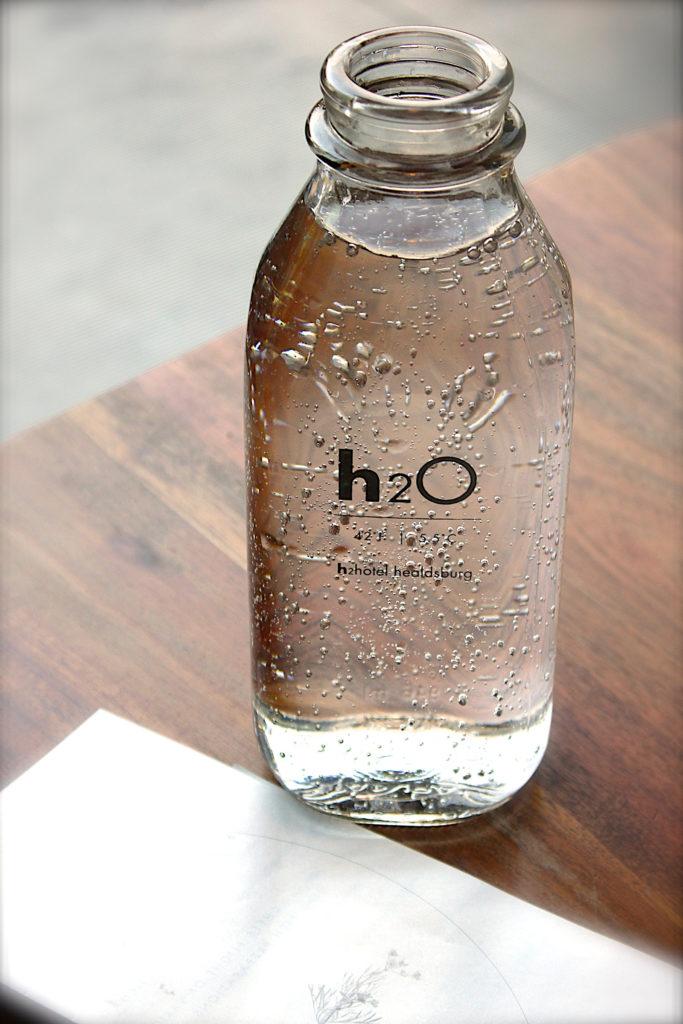 бутилка води