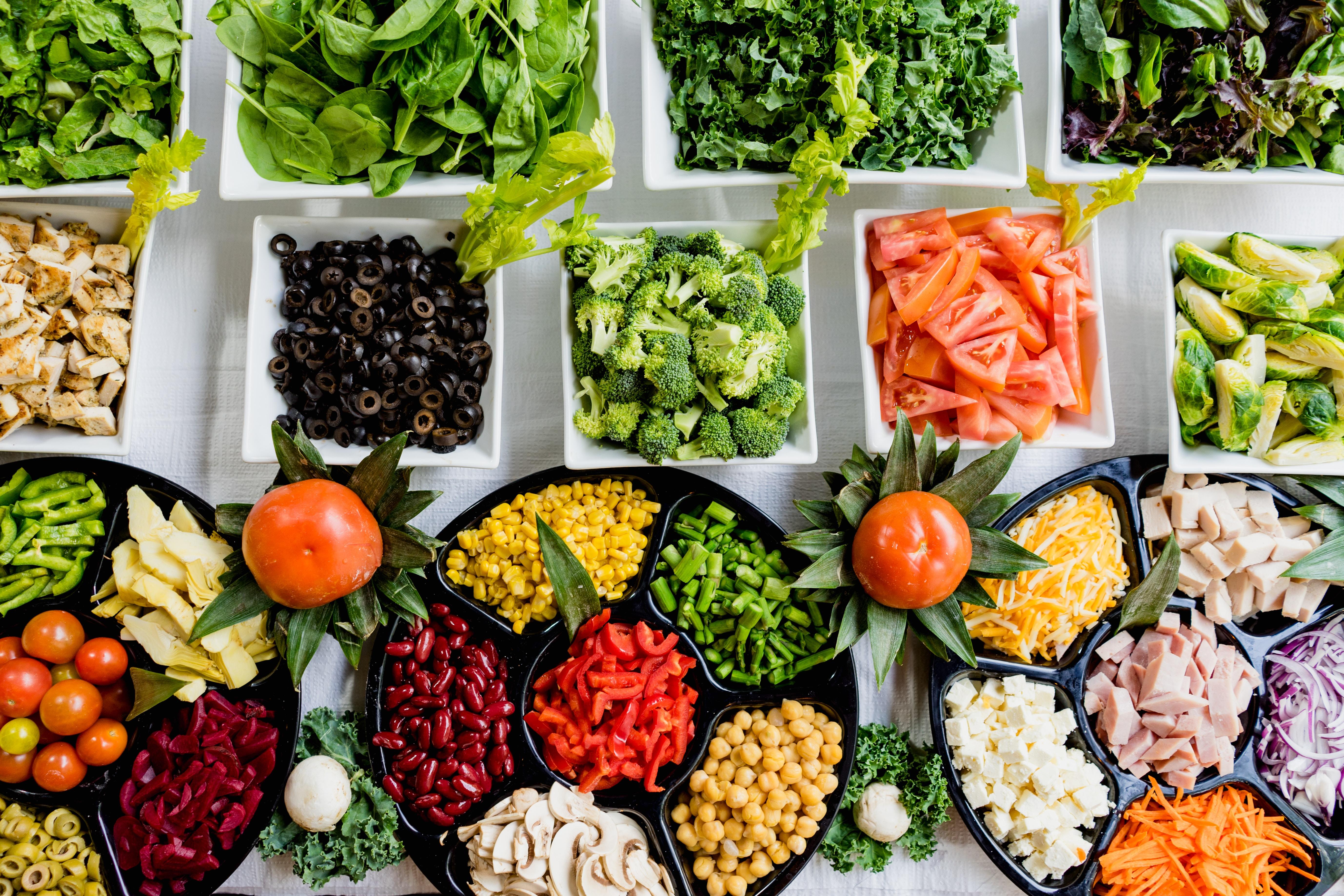 різноманітні продукти харчування