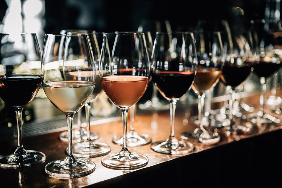 бокали з вином Win Bar