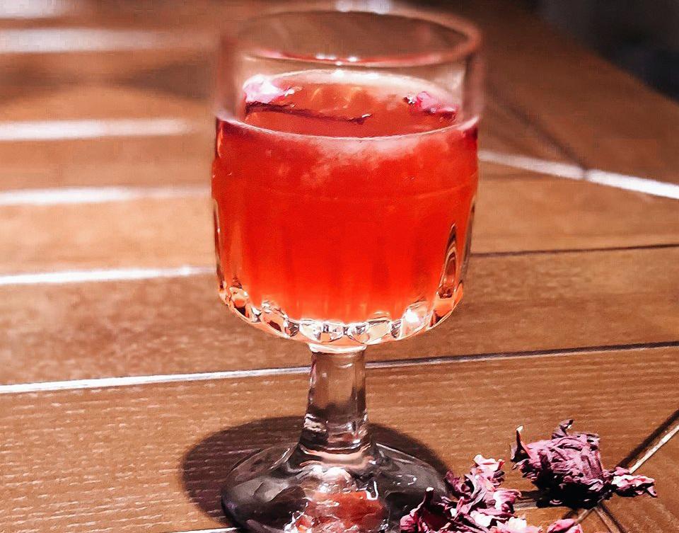 рожевий коктейль