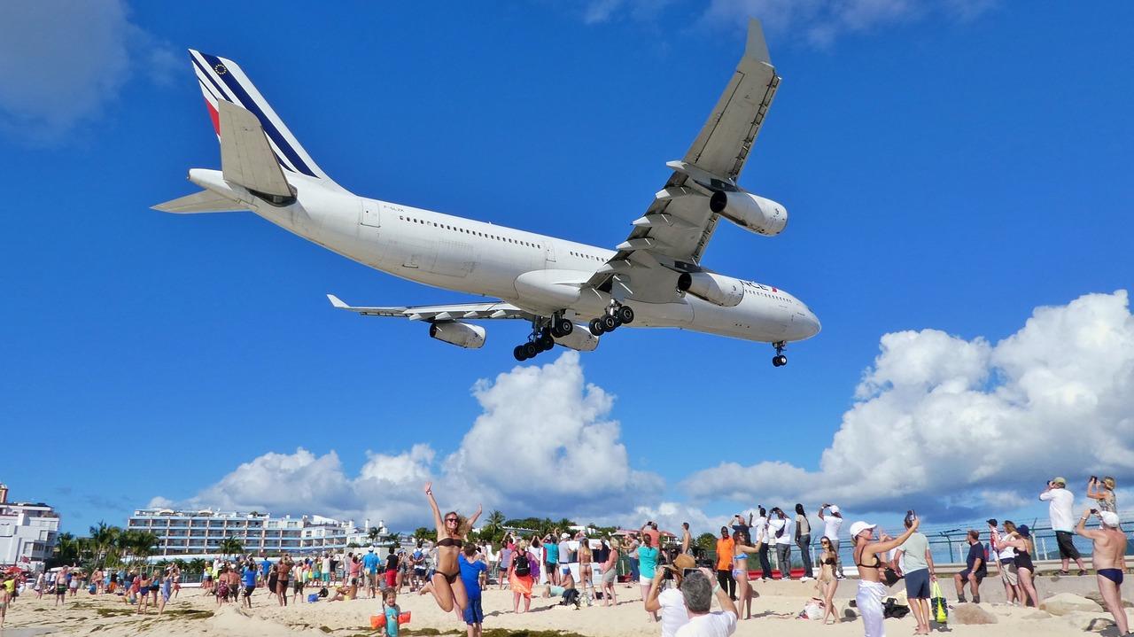 Екстремальний пляж Махо, острів Сен-Мартен