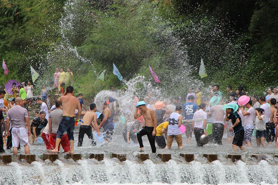 фестиваль біля води