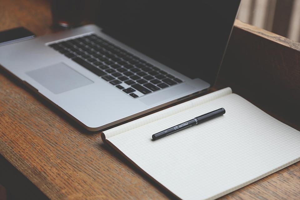 лептоп та записник
